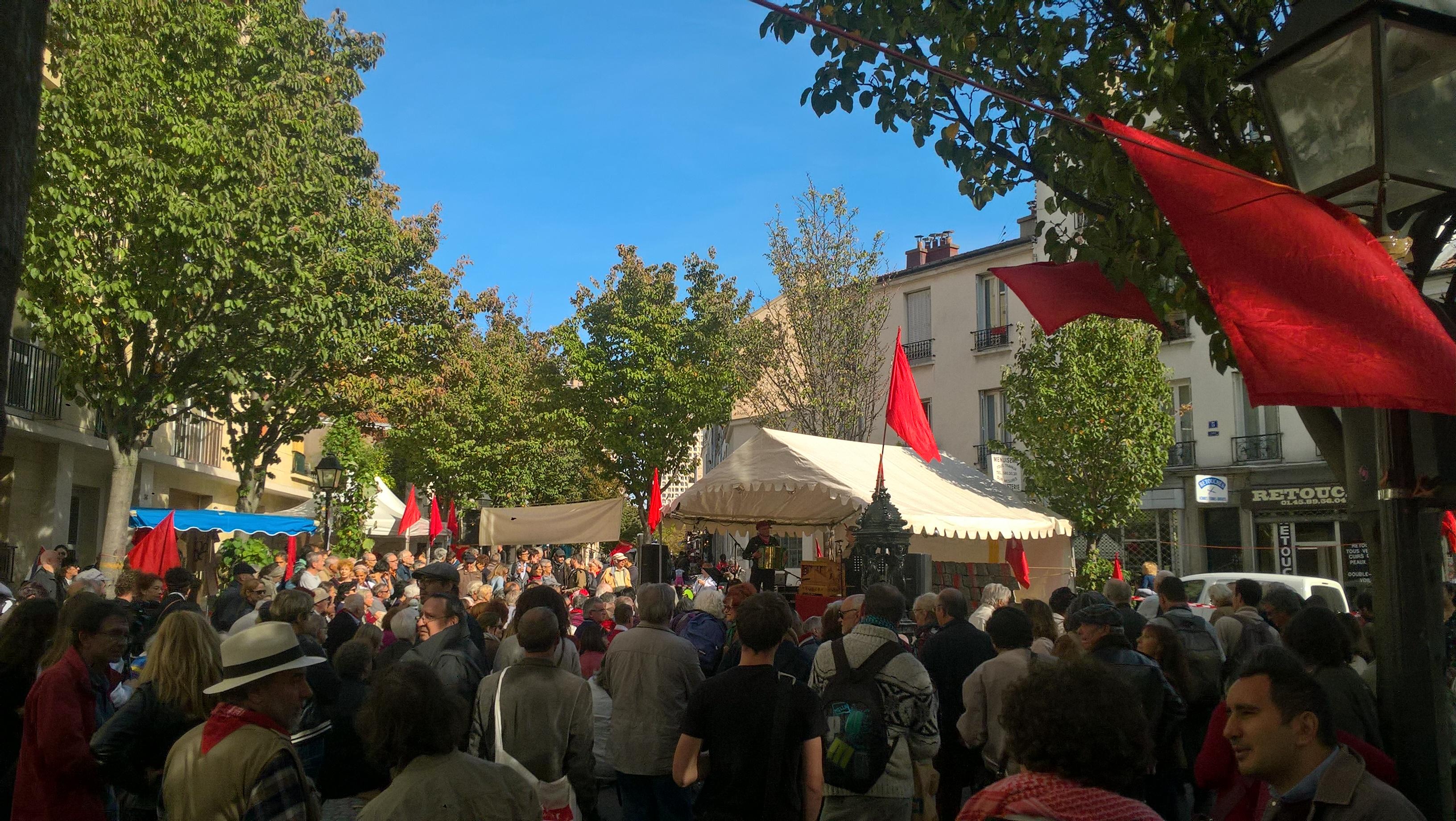 Surprise, fête de la Commune de Paris lors du jeu de piste