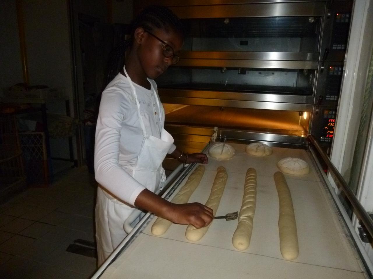 Atelier boulang' Fatim dessine la baguette