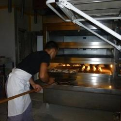 Atelier boulang' allez on enfourne les baguettes
