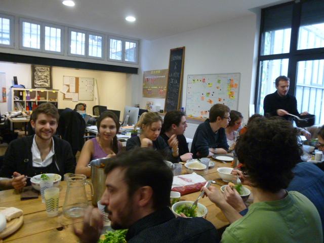 Déjeuner convivial avec toute l'équipe de La Ruche qui dit Oui !