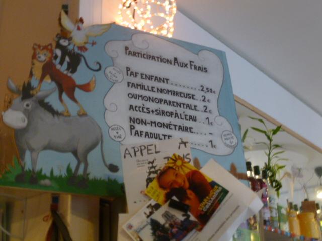 L'intérieur du Cafézoïde, 1er café des enfants Paris 19e