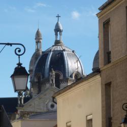 Combien d'églises à Paris ?