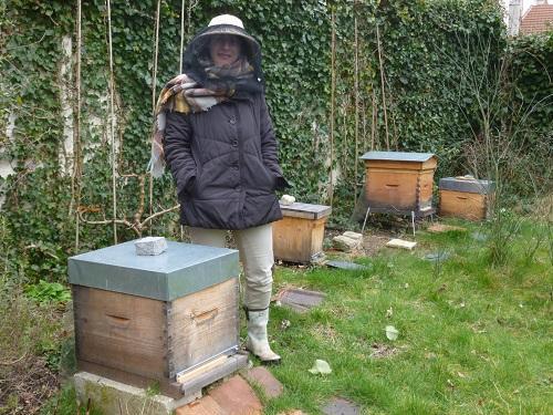 Geraldine apicultrice rue des loges maisons laffitte
